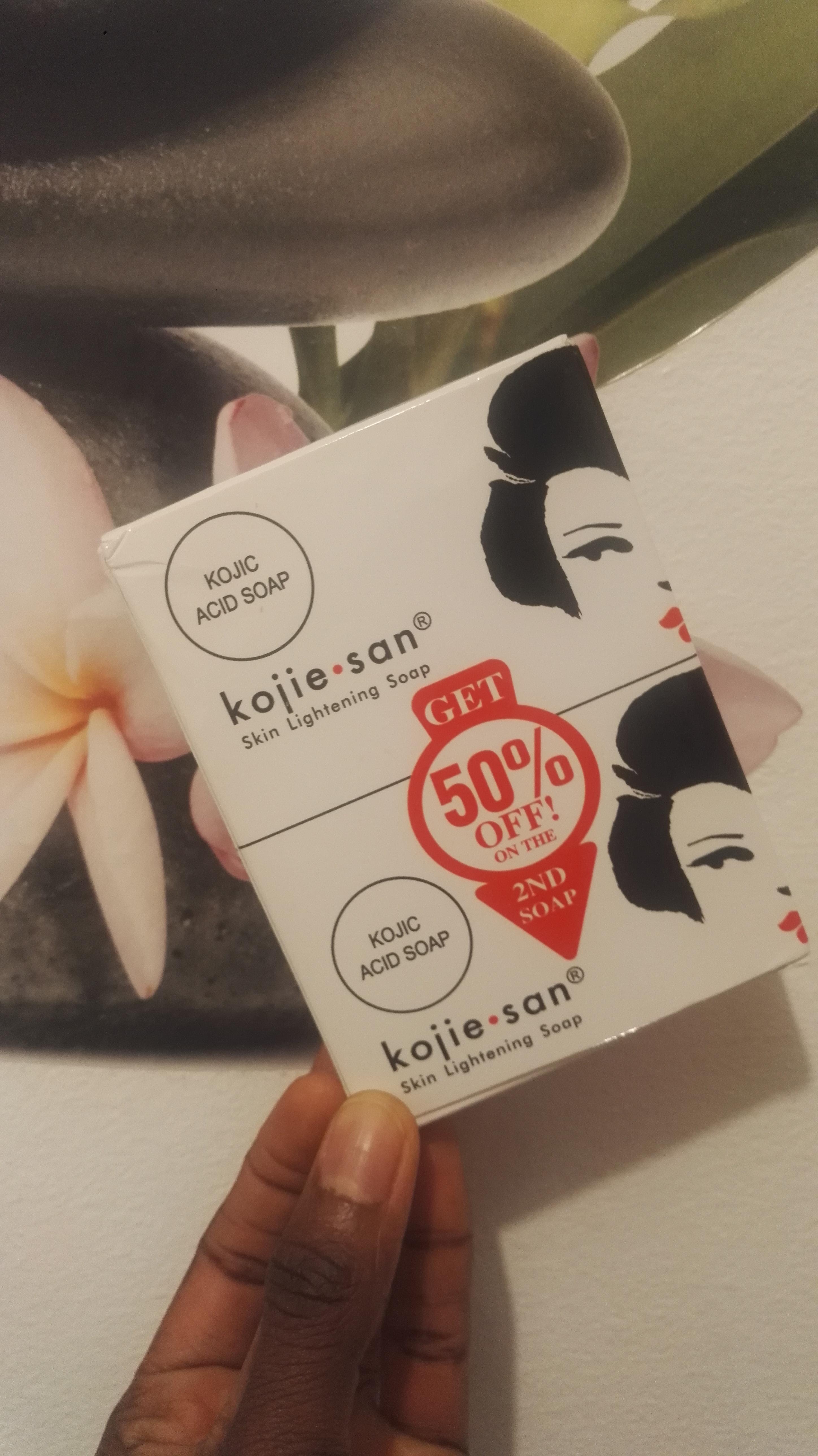 Kojie San avis sur l'utilisation du savon sur une peau noire